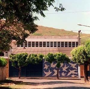 Educandário Dom Silvério, Cataguases MG. Arquiteto Francisco Bolonha, 1954<br />Foto Pedro Lobo  [IPHAN-BH]