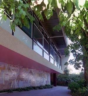 Residência Nanzita Salgado, fachada principal, Cataguases MG. Arquiteto Francisco Bolonha, 1958<br />Foto Pedro Lobo  [IPHAN-BH]