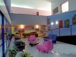 Residência Nanzita Salgado, sala de estar, rampa e mezanino, Cataguases MG. Arquiteto Francisco Bolonha, 1958<br />Foto Pedro Lobo  [IPHAN-BH]