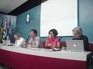 Balanço do DOCOMOMO na terça-feira: mesa principal<br />Foto Ângelo Arruda