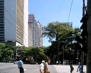 Avenida São Luis. São Paulo. Angélica A.T. Benatti Alvim e Eunice Helena S. Abascal