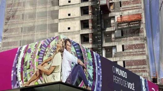 """Ocupação da área com edifícios residenciais de alto padrão<br />Foto divulgação  [vídeo """"Recife, cidade roubada""""]"""