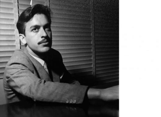 Paulo Mendes da Rocha no Anuário da Faculdade de Arquitetura Mackenzie, 1954<br />Foto divulgação  [Centro Histórico e Cultural Mackenzie]