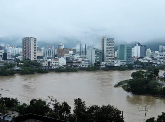 Enchente em Blumenau, 08 de junho de 2014<br />Foto Jaime Batista  [Blog do Jaime]