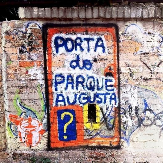 Grafitte no muro do Parque Augusta, São Paulo<br />Foto Abilio Guerra