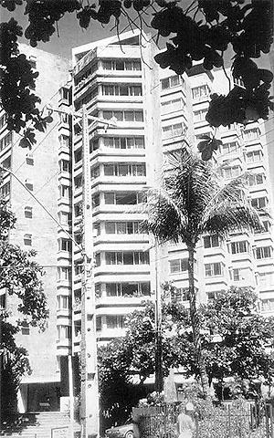 Edifício Mirage (1967), de Acácio Gil Borsoi