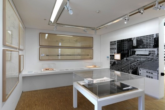 Sala monográfica com originais de Paulo Mendes da Roch no Beaubourg<br />© Paulo Archias Mendes da Rocha  [Centre Pompidou, MNAM-CCI / Georges Meguerditchian]