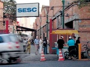 Stills do video do SESC Fábrica Pompéia. Otávio Cury / Mutantes Filmes, 2006