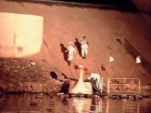"""Stills da peça """"BR-3"""", Teatro da Vertigem,Evaldo Mocarzel / Casa Azul , 2006"""