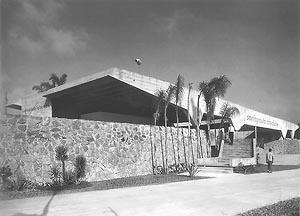 Garagem de Barcos do Santa Paula Iate Clube, São Paulo, João Batista Vilanova Artigas, 1961. Fonte: Vilanova Artigas, João Masao Kamita Cosac & Naify Edições, 2000