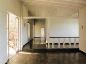 Casa em Araruama, 1944, arquiteto Lucio Costa<br />Foto Elaine Ramos  [WISNIK, Guilherme, Op. cit., p. 78]