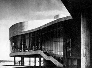Cassino da Pampulha, 1942, arquiteto Oscar Niemeyer [GOODWIN, Philip L. Brazil Builds. New York, MoMA, 1943, p. 186]