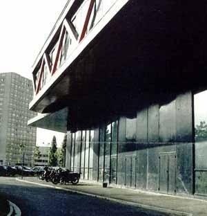 Liceu Massimilian Perret, Alfortville, Paris, França, outubro 1998 – M. Fuksas. Biblioteca/Salas de tecnologia