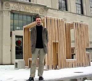 Zeuler Lima em frente da Escola de Arquitetura da Washington University