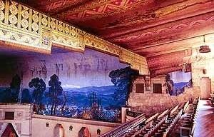 7. Evelio Govantes y Félix Cabarrocas. Interior del Teatro Lutgardita (1932). Rancho Boyeros (Cuba).