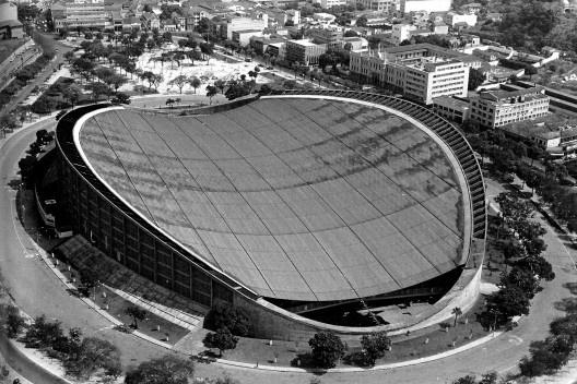 """Pavilhão de São Cristóvão, Rio de Janeiro, 1957. Arq. Sergio Bernardes<br />Foto Celso Brando  [ANELLI, Renato. """"Architettura contemporanea: Brasile"""", p. 23]"""