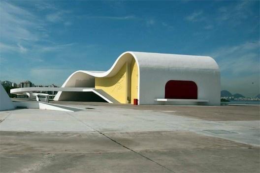 Teatro Popular de Niterói, Arquiteto Oscar Niemeyer