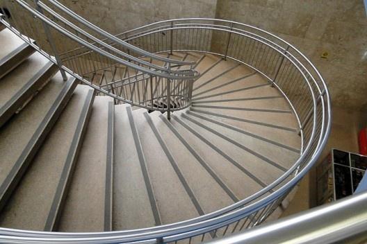 Sede I, escada de acesso ao subsolo<br />Foto Jayme Wesley de Lima