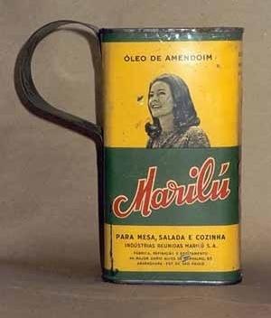 Caneca feita de lata, Salvador, 2001<br />Foto do autor