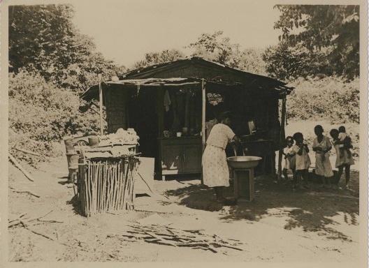 Mocambo em Salvador<br />Foto divulgação  [Acervo Epucs / Arquivo Histórico Municipal de Salvador, 1942-47]