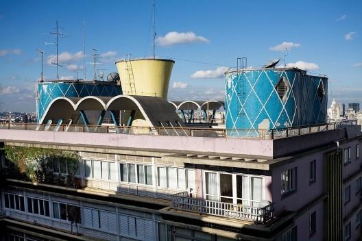 Edifício Parque das Hortênsias, projeto de Artacho Jurado<br />Foto Tuca Vieira