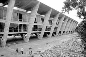 Museo de Arte Moderna, Rio de Janeiro. Arquiteto Affonso Eduardo Reidy<br />Foto AG
