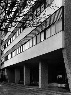 Edifício em Ipanema, Rio de Janeiro, 1954<br />Foto Michel Aertsens