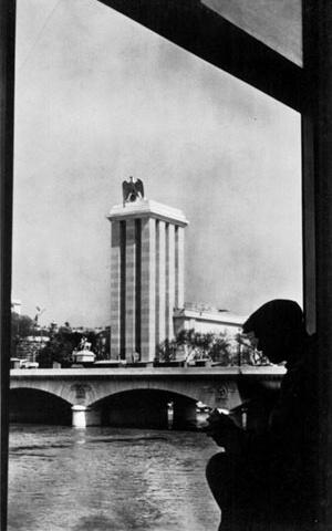 Exposição Internacional de Paris em 1937. O Pavilhão Alemão de Albert Speer