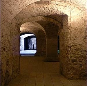 Museu Picasso, rua interior transversal<br />Foto: Institut Amatller d'Art Hispànic / Arxius MAS / Arxiu Fotogràfic Municipal