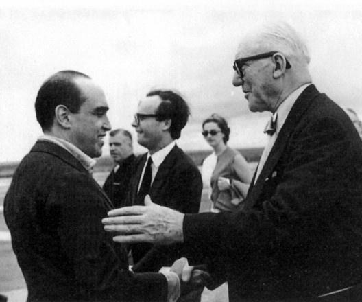 Le Corbusier, Oscar Niemeyer e Ítalo Campofiorito, Brasília, terceira e última viagem do arquiteto suíço-francês ao Brasil, 1962<br />Foto divulgação  [Acervo APDF]