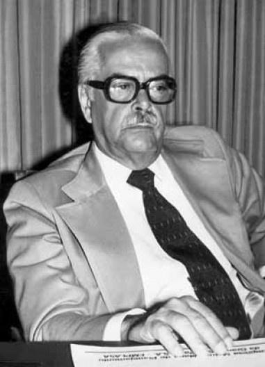 Roberto Cerqueira César (1917–2003). Fonte: Rino Levi – Arquitetura e Cidade. Anelli, Renato; GUERRA, Abilio; KON, Nelson. São Paulo, Romano Guerra Editora, 2001