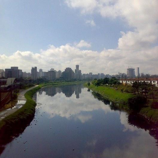 Rio Pinheiros, São Paulo<br />Foto Ricardo Sato