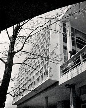 Brise-soleil do Pavilhão Brasileiro em Nova Iorque, Lúcio Costa e Oscar Niemeyer, 1937 [Brasil Builds, de Philip Goodwin, 1943]