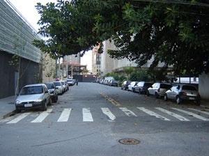 Sob a rua Caetano Velasco corre o Uberaba<br />Foto Vladimir Bartalini