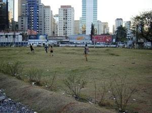 Confluência das ruas Quatá e Olimpíadas, em 2006<br />Foto Vladimir Bartalini