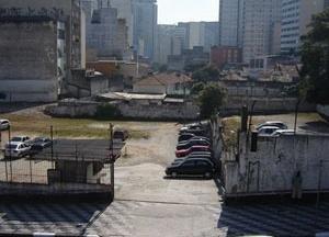 Entre as ruas Abolição e Jaceguai, o ribeirão Bexiga<br />Foto Vladimir Bartalini