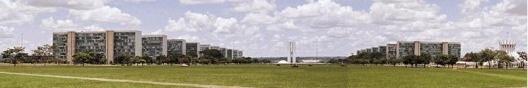 A paisagem da Esplanada dos Ministérios modifica-se com a presença, cada vez mais constante, das estruturas de vários eventos temporários ao longo do ano