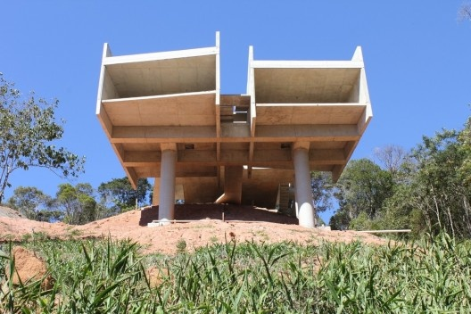 Casa Itaipava, 2010-2011. Arquiteto Angelo Bucci / SPBR Arquitetos<br />Foto Juliana Braga e João Sodré