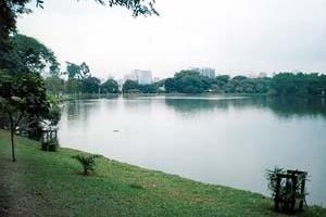 Lago do Parque do Ibirapuera<br />Foto Wesley Macedo, 2004