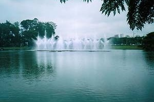 Fontes do Parque do Ibirapuera<br />Foto Wesley Macedo, 2004