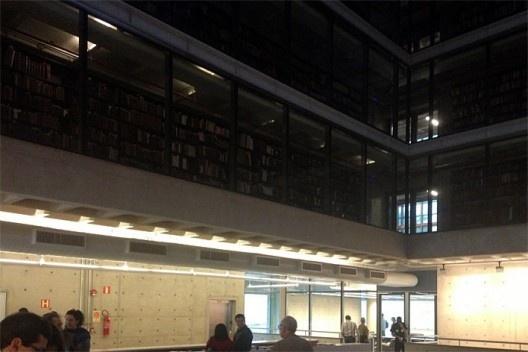 Biblioteca Brasiliana Guita e José Mindlin, Campus USP, São Paulo. Arquitetos Eduardo de Almeida e Rodrigo Mindlin Loeb<br />Foto Silvana Romano Santos