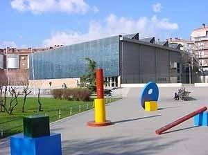 Biblioteca Pompeu Fabra de Mataró, Espanha. Arquitecto Miquel Brullet, 1998<br />Fotos Oscar Aceves TFM