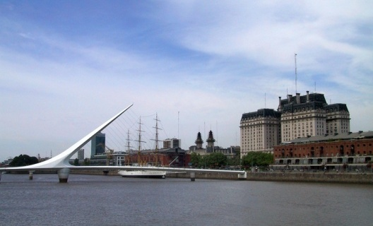 Bridge by Santiago Calatrava, Puerto Madero, Buenos Aires<br />Foto: Abilio Guerra