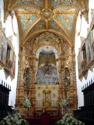 Altar-mor da basílica do Carmo, Recife, 1767<br />Foto do autor, 2004