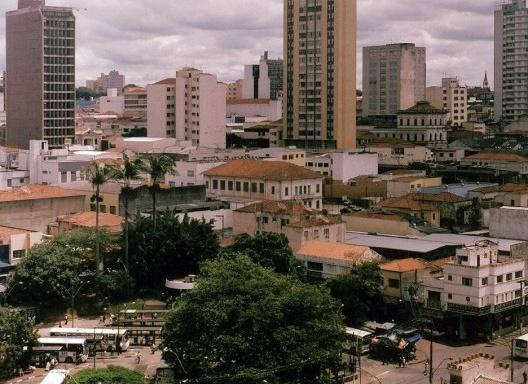 Terminal de ônibus no centro de Campinas<br />Foto João Xavier M.Santos  [Wikimedia Commons]