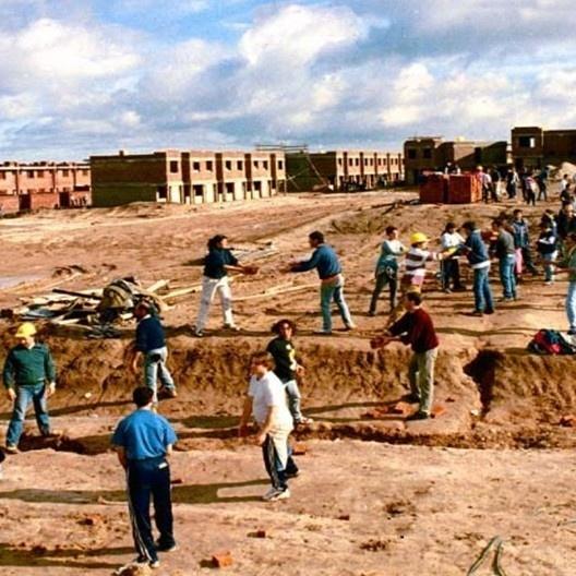 Imagen de la portada del libro <i>Integración de un sistema de instrumentos de apoyo a la producción social de vivienda</i>, de Enrique Ortiz Flores<br />Foto divulgación