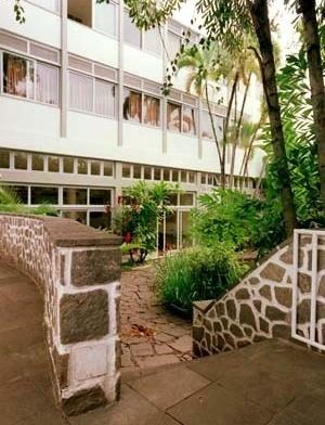 Hotel Cataguases, fachada principal, 1951. Arquitetos Aldary Henrique Toledo e Gilberto Lyra de Lemos<br />Foto Pedro Lobo  [IPHAN-BH]