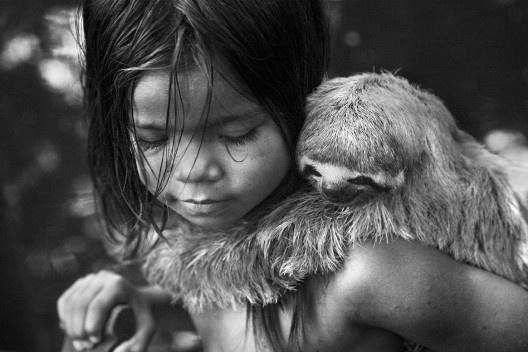 Criança ribeirinha, Amazonas, 2010<br />Foto Araquém Alcântara