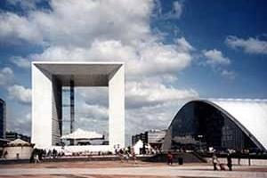 Figura 02: Grande Arco La Défense, Arquiteto Johan Otto Von Spreckelsen<br />Foto AG