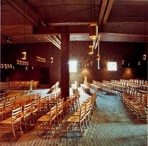 Sigürd Lewerentz, Igreja de São Pedro, Klippan, interior da Igreja<br />Foto de Fabio Galli  [Claes Dymling. Architect Sigurd Lewerentz, vol. I, p.167]